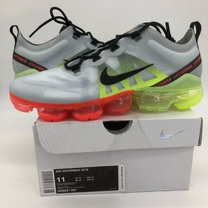 Mens Sz 11 Nike Air VaporMax 2019 Neon Collection